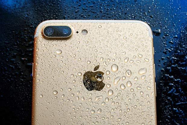 IPhone 8 сумеет «выплескивать» попавшую воду при помощи звука