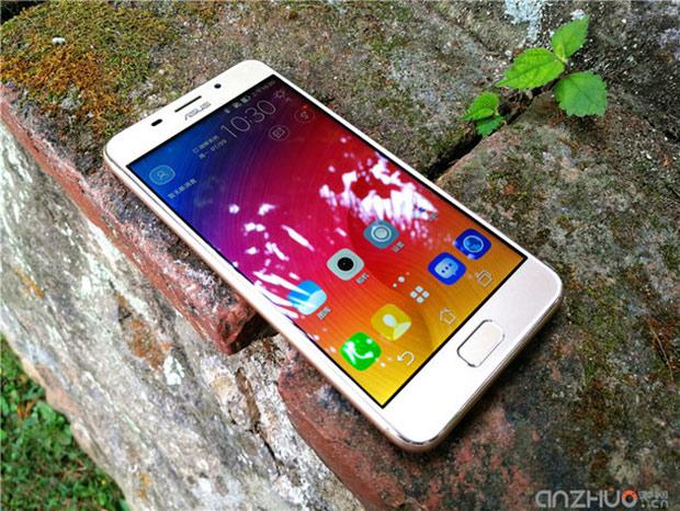 Asus анонсировала смартфон Zenfone Pegasus 3S