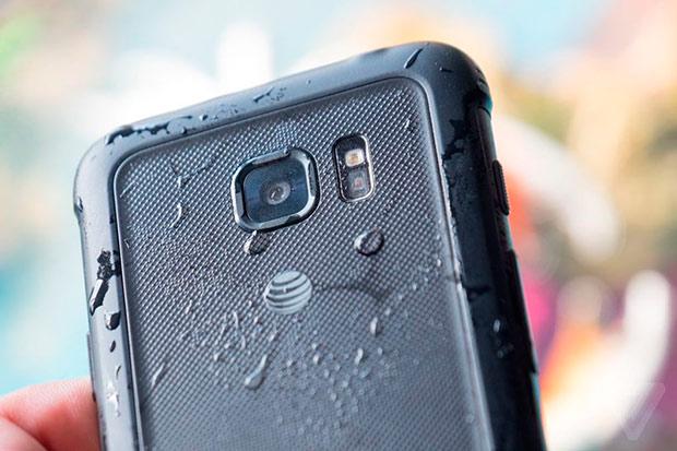 Защищённый Android-смартфон Galaxy S7 active провалил тест наводонепроницаемость