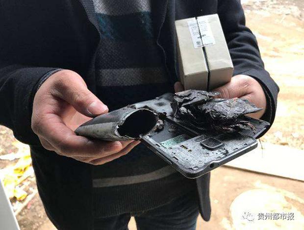 При взрыве телефона Самсунг Galaxy Note 4 в КНР пострадала пятилетняя девочка