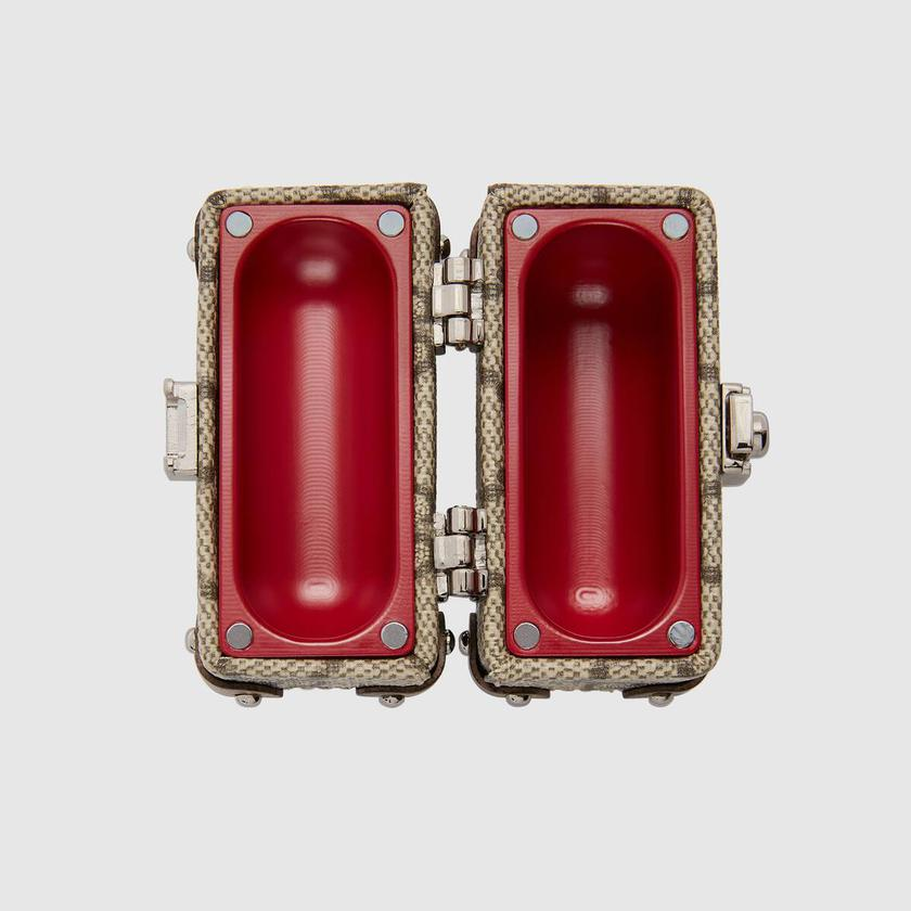 Бренд Gucci выпустил защитные чехлы для наушников Apple AirPods