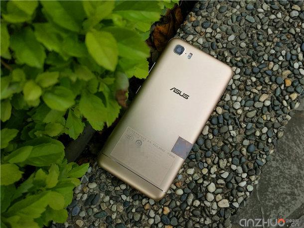 ASUS представила смартфон Zenfone Pegasus 3S с аккумулятором на 5000 мАч