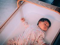 Представлена детская смарт-кровать, которая сама укачивает малыша