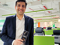 Показана прозрачная версия смартфона Realme X7 Pro