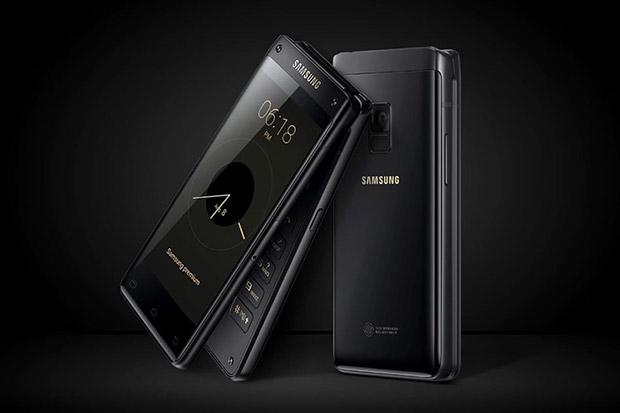 Включенную флагманскую раскладушку Samsung W2019 показали на видео