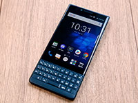 Смартфон BlackBerry KEY2 выпустят в Европе в цвете Atomic Red