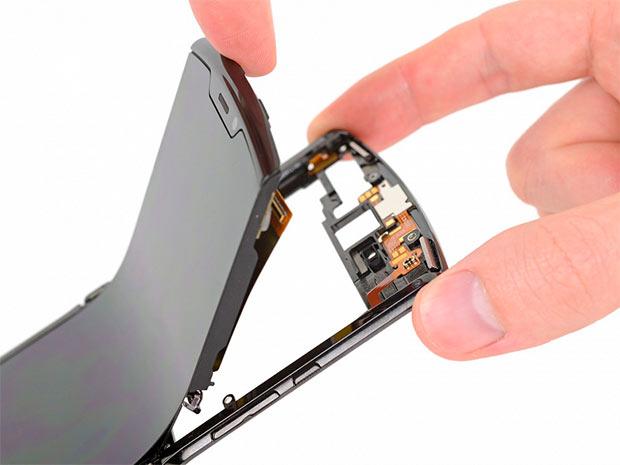 Motorola Razr 2019 получил минимальный балл за ремонтопригодность